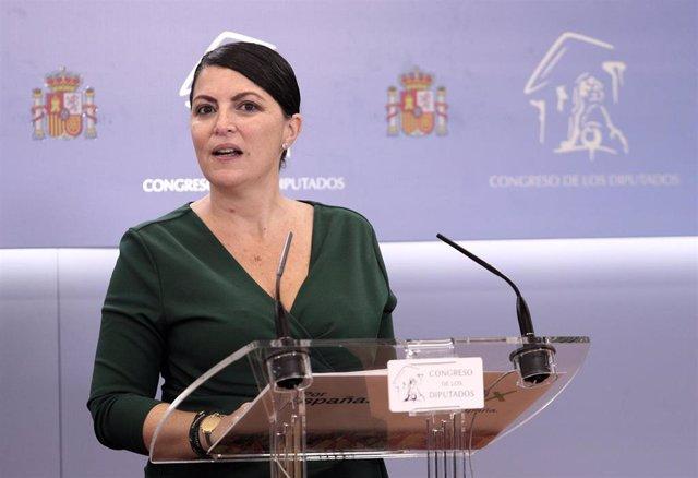 La secretaria general del grupo de Vox en el Congreso, Macarena Olona, en rueda de prensa