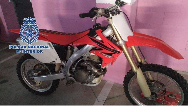 Motocicleta robada y recuperada por agentes de la Policía Nacional en una operación en Málaga