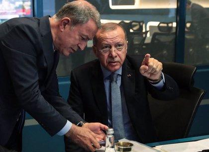 """Erdogan amenaza con """"abrir las puertas"""" a los refugiados sirios si Europa critica su ofensiva en Siria"""
