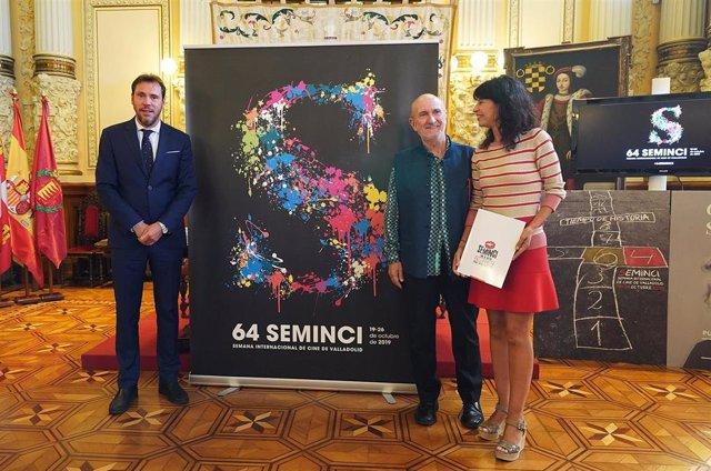 El alcalde de Valladolid, Óscar Puente; el director de la Semana Internacional de Cine de Valladolid (Seminci), Javier Angulo, y la concejal de Cultura, Ana Redondo, durante la presentación de la 64 edición del festival.