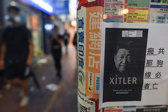 Un cartel contra el presidente de China en Hong Kong