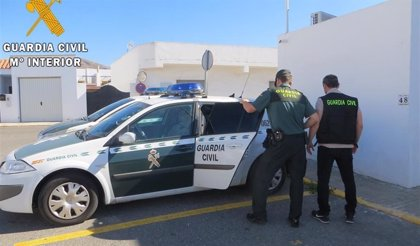 Detenida la madre del niño de siete años hallado muerto en el interior de un vehículo en El Ejido (Almería)
