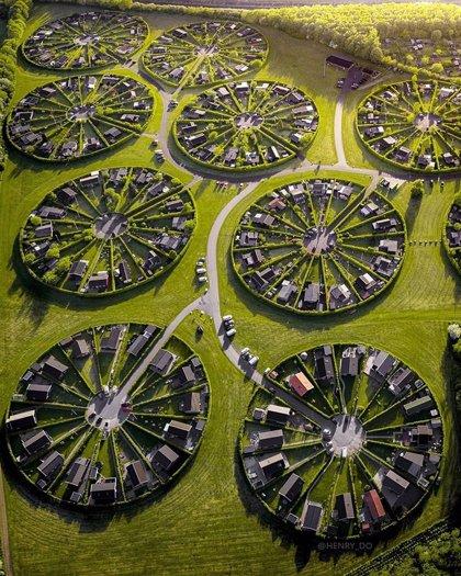 No son vestigios de una civilización alienígena en la Tierra, es 'Circle Gardens', una pequeña comunidad de Dinamarca
