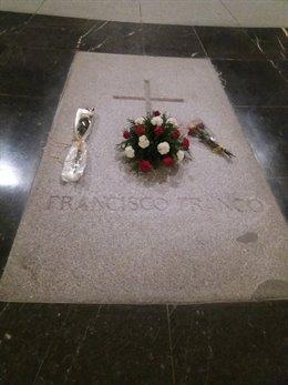 Tomba de Franco al Valle de los Caídos.