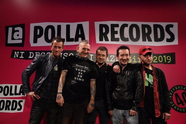 (I-D) Txiki, Evaristo, Abel, Tripi y Sumé, componentes de 'La Polla Records' durante la rueda de prensa en la que el grupo de música anuncia que vuelve  a la actividad 16 años después de su separación. Además, 40 años después de su creación, la banda vuel