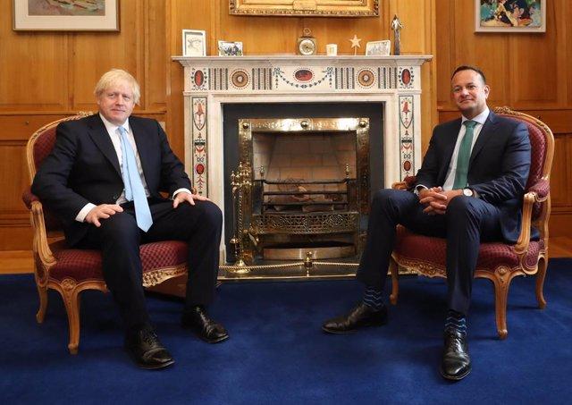 """Brexit.- Johnson y Varadkar ven """"posible"""" el acuerdo del Brexit, que """"interesa a"""