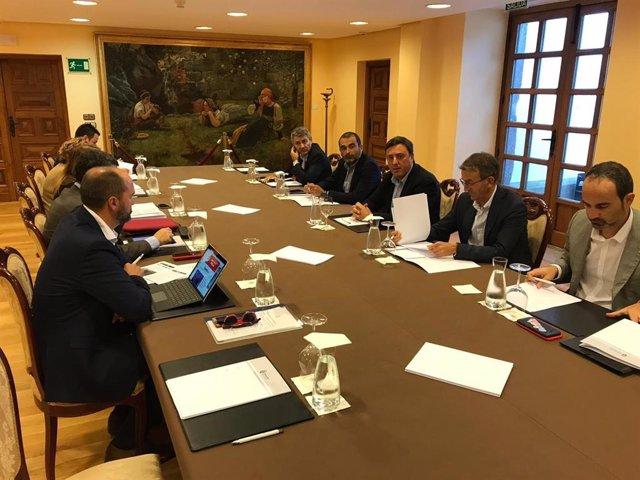 Alcaldes afectados por la descarbonización reúnense nel Pazo de Mariñán, en Bergondo (A Coruña)