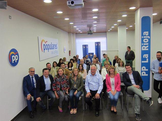 La vicesecretaria de Organización del PP, Ana Beltrán, mantiene un encuentro con el PP regional