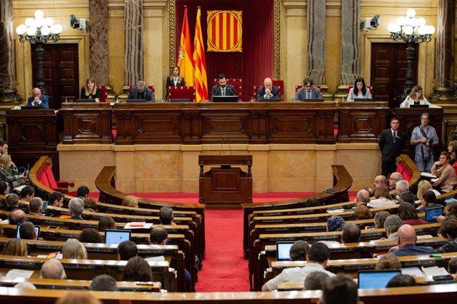 Pleno del Parlament de Catalunya, en una imagen de archivo.