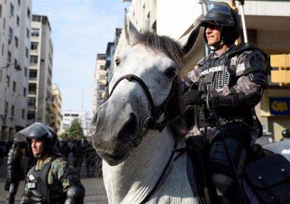 "Ecuador.- Las FFAA denuncian ""falsos mensajes"" para que los ecuatorianos se concentren frente a cuarteles militares"