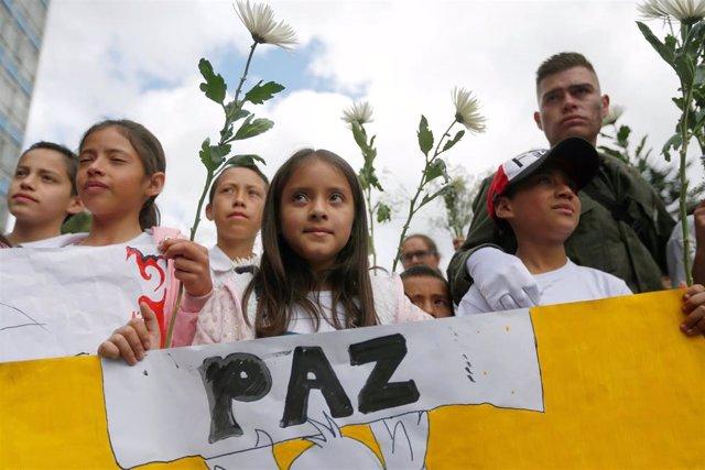 Manifestación en defensa del acuerdo de paz de Colombia