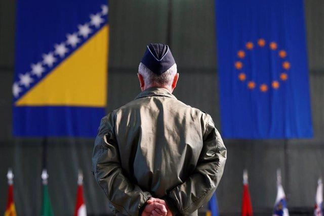 Bandera de Bosnia y bandera de la UE