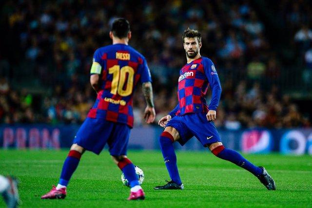 """Fútbol.- Piqué: """"No hay descoordinación, Messi es el capitán y tiene su discurso"""