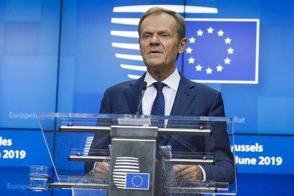 """Siria.- Tusk avisa a Erodgan de que la UE no se dejará """"chantajear"""" con los refugiados y le pide parar la ofensiva"""