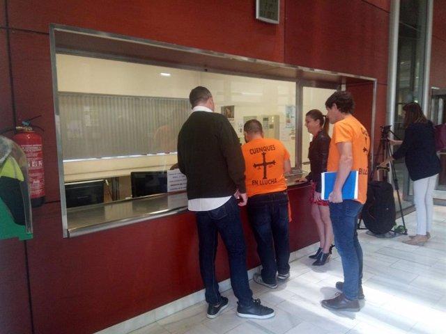 Trabajadores de Vesuvius en la Consejería de Industria