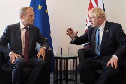 """Brexit.- Tusk ve """"señales prometedoras"""" de acuerdo tras la reunión de Johnson y Varadkar"""