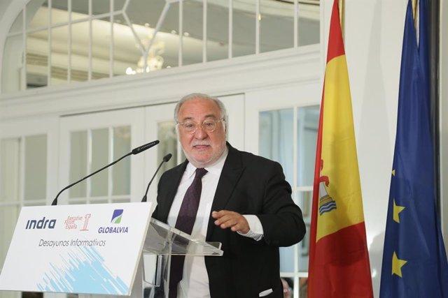 El director general de la DGT, Pere Navarro, durante su intervención en un desayuno informativo organizado por Executive Forum en el Hotel Palace de Madrid.