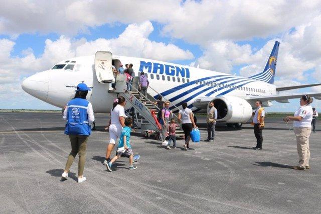 Honduras.- Más de un centenar de migrantes regresan a Honduras desde México con