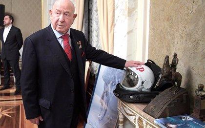 Muere Alexei Leonov, protagonista del primer paseo espacial en 1965