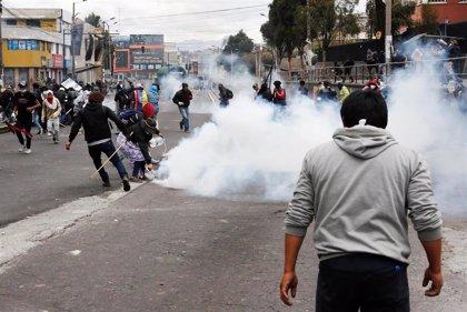 Ecuador.- Enfrentamientos entre policías e indígenas cerca del Parlamento en una nueva jornada de protesta en Quito