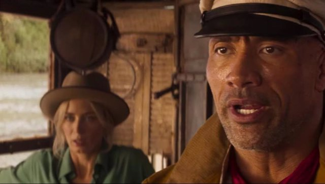 Dwayne Johnson y Emily Blunt en Jungle Cruise