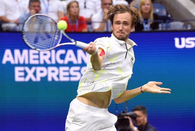 Tenis/Shanghai.- Medvedev y Zverev pelearán por el título en Shanghai