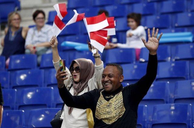 Aficionados indonesios en el RCD Stadium