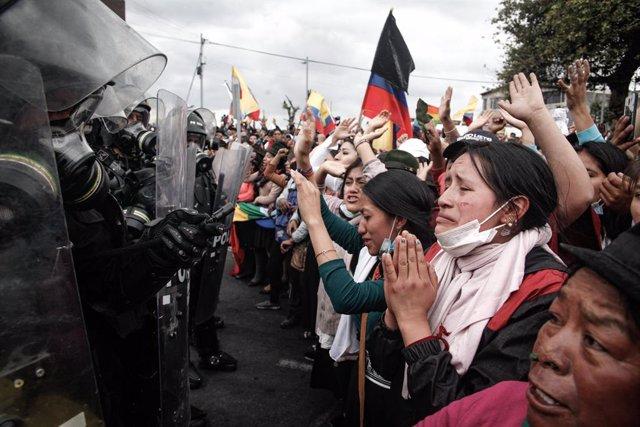 """Ecuador.- La CONAIE acepta la oferta de diálogo con el Gobierno solo para """"derog"""
