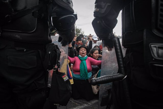 Ecuador.- El Gobierno y los indígenas revisarán los planes de austeridad para de