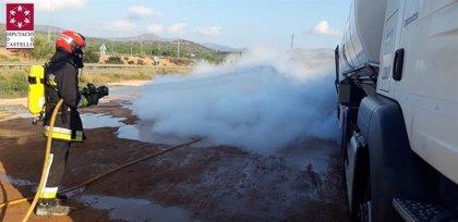 Una fuga de metano líquido refrigerado de un camión obliga a desalojar el área de servicio La Llosa en la A-7