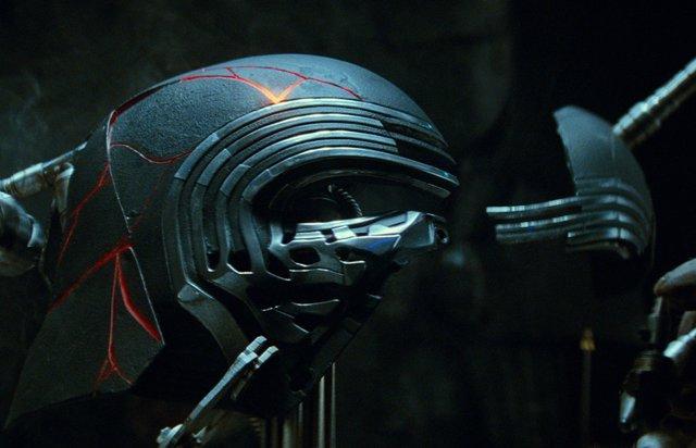 Casco de Kylo Ren en Star Wars