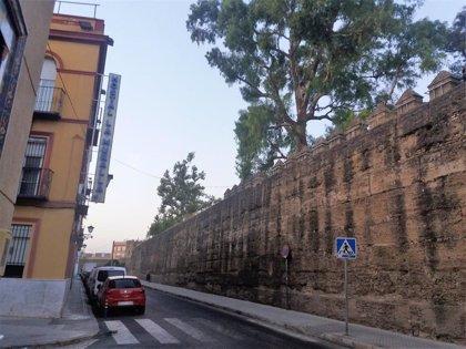 Sucesos.- Fallece una persona sin hogar en el entorno de la Muralla de la Macarena