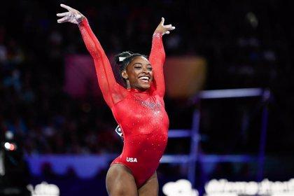 Simone Biles, gimnasta con más medallas en la historia de los Mundiales