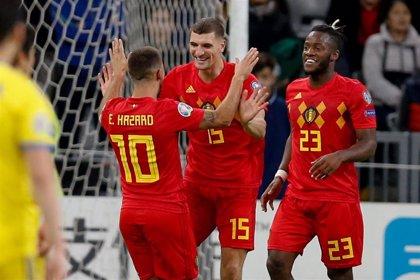 Bélgica sigue invicta en su grupo y Rusia se clasifica goleando en Nicosia