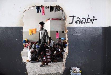Cerca de 6.000 migrantes se encuentran detenidos en Libia, según la OIM