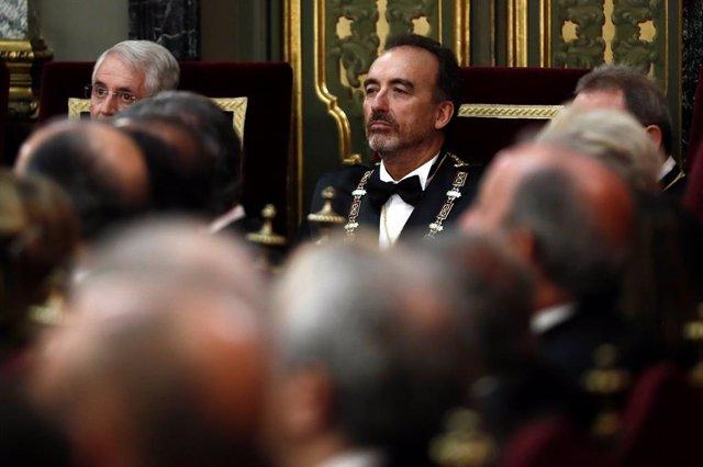 El magistrat del Tribunal Suprem Manuel Marchena (c), durant l'acte de l'obertura de l'any judicial aquest dilluns que presideix el rei Felipe VI, en el Saló de Plens del Tribunal Suprem.