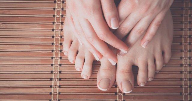 Uñas de los pies.