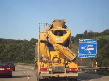 Tres heridos graves y nueve leves en los 50 accidentes del fin de semana en Asturias