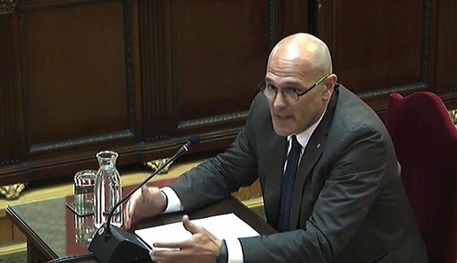 L'exconseller d'Afers Exteriors de la Generalitat de Catalunya, Raül Romeva, durant la seva intervenció davant el Tribunal Suprem, en l'última jornada del judici del procés.