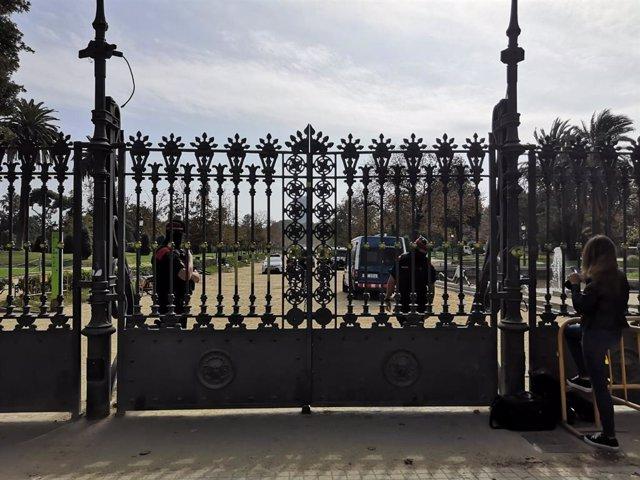 Els Mossos tanquen els accessos al Parlament davant les protestes per la sentncia