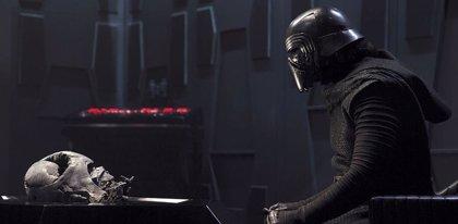 Star Wars 9: Kylo Ren, más cerca que nunca de Darth Vader en la nueva imagen de El ascenso de Skywalker