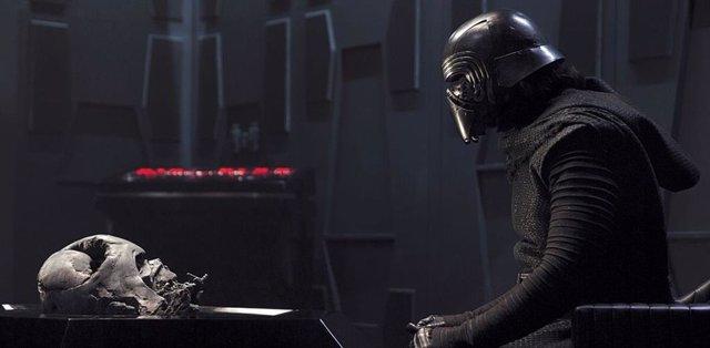 Kylo Ren con Darth Vader