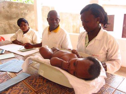 Los médicos en África están muy capacitados, pero el déficit de estos profesionales es alarmante