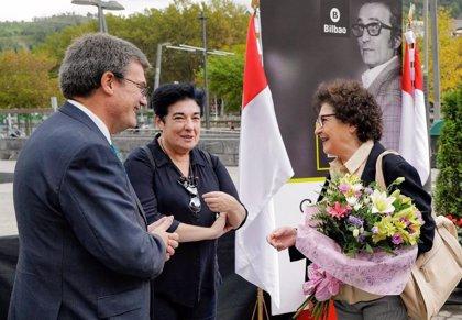 Bilbao recuerda este lunes al poeta Gabriel Aresti en el 86 aniversario de su nacimiento
