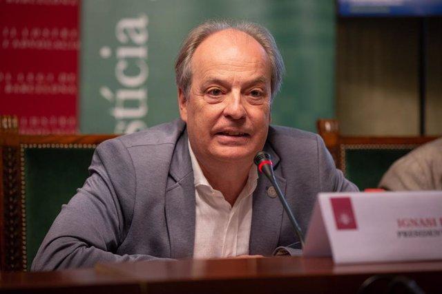 El president del Cicac (Consell de l'Advocacia Catalana), Ignasi Puig, durant una intervenció a la roda de premsa sobre el torn d'ofici.