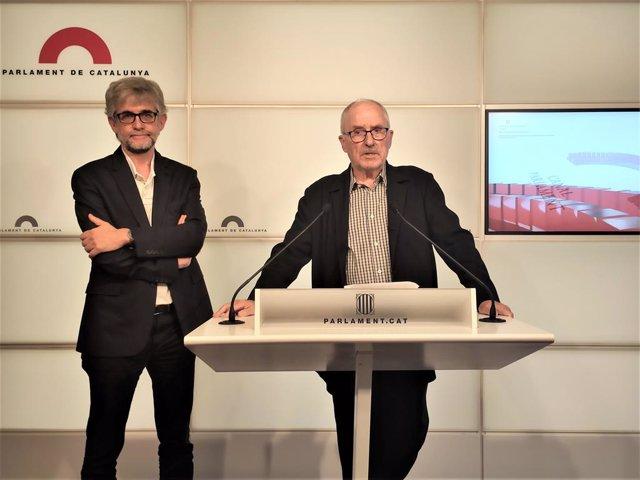 Adjunt al Síndic de Greuges de Catalunya, Jaume Saura, i el síndic Rafael Ribó en roda de premsa sobre la sentència del procés independentista.