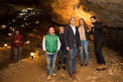 El Gobierno cántabro apoya el trabajo de los investigadores arqueológicos