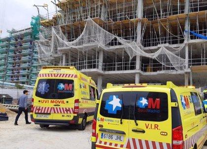 Herido muy grave un obrero al caerse de 9 metros de altura desde un andamio en Tres Cantos