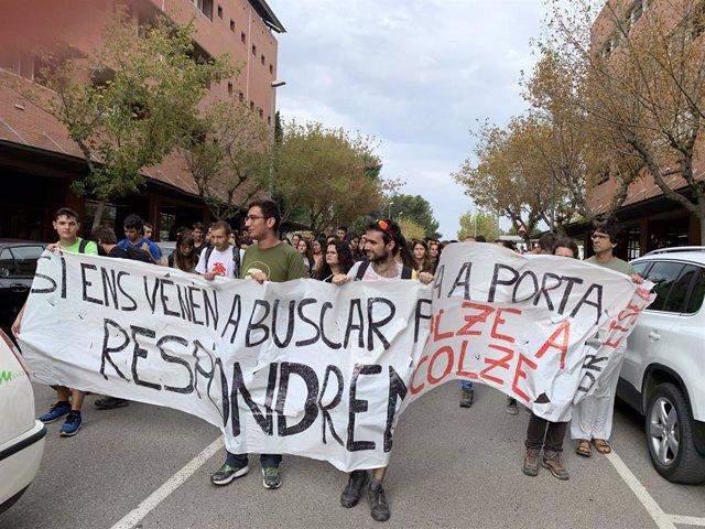 Estudiants de la Universitat de Lleida es manifiesten per la sentència.