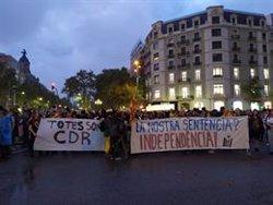 Centenars de persones es concentren al passeig de Gràcia convocades pels CDR (EUROPA PRESS)